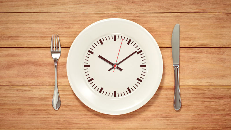 THE SIMPLE BENEFITS OF INTERMITTENT FASTING