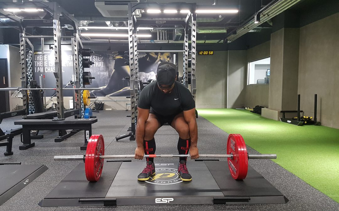 HOW TO PERFORM THE CONVENTIONAL DEADLIFT WITH PROPER FORM